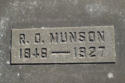 Elmer R Munson