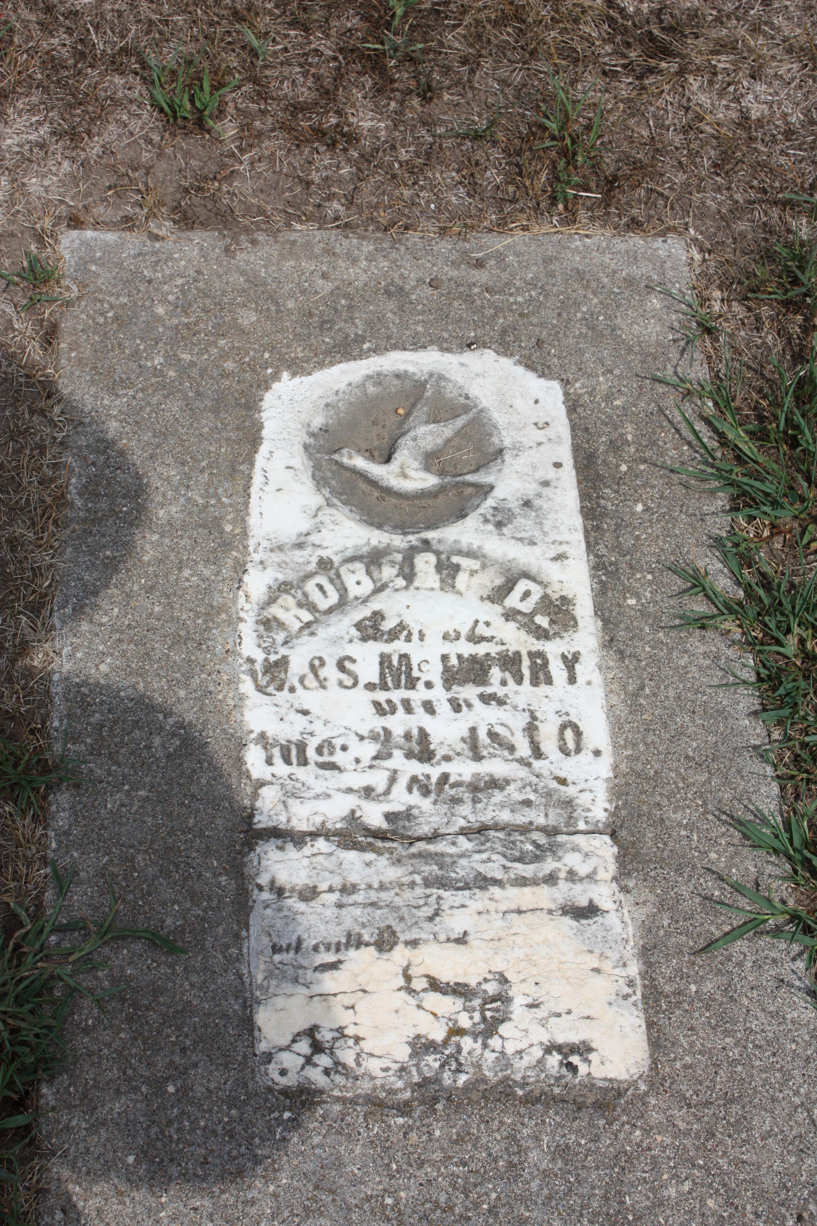 Robert L Mchenry