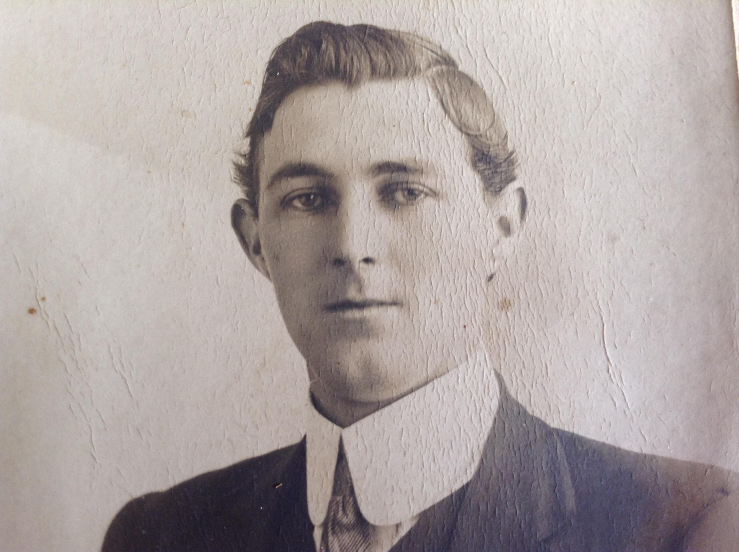 Archie Charles MacKinnon