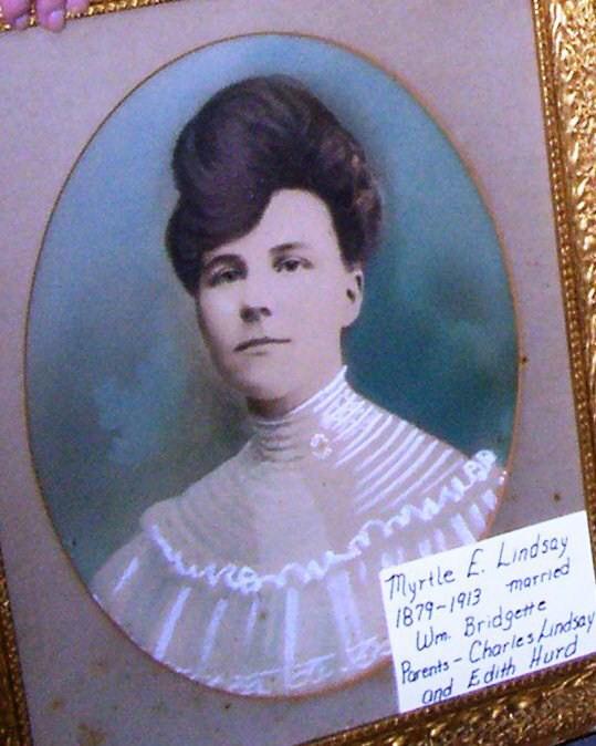 Myrtle M Lindsay