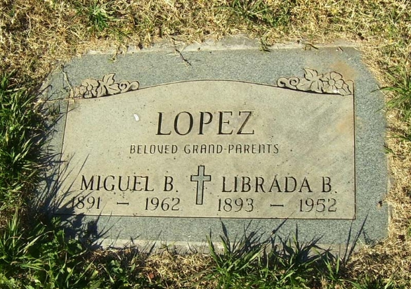 Clara B Lopez