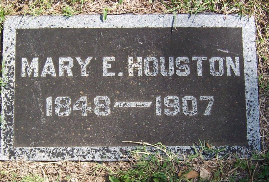 Mary E Turner