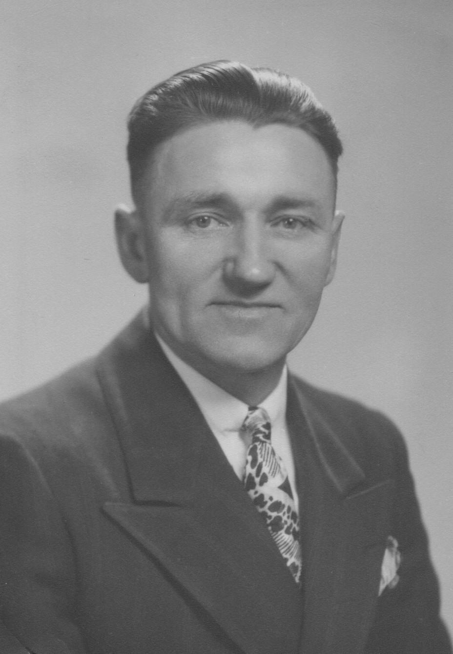 Walter J Musolf