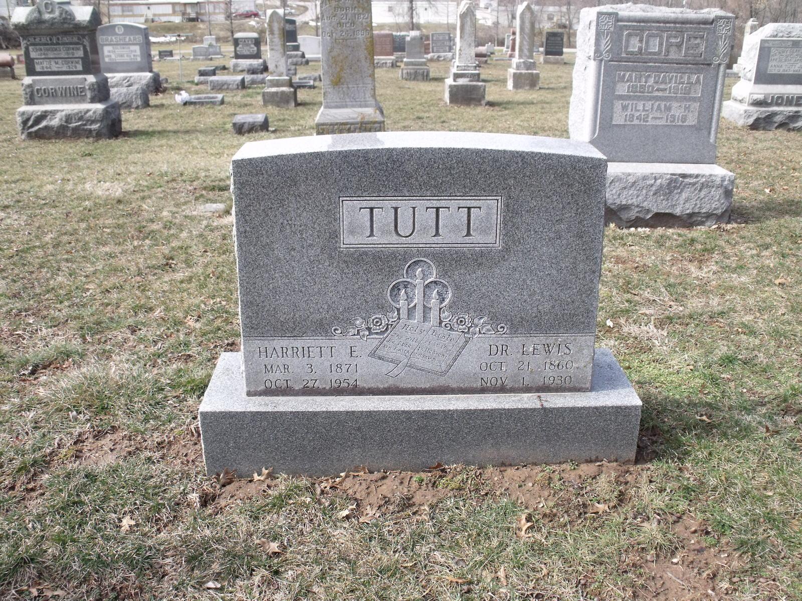 Lewis Tutt