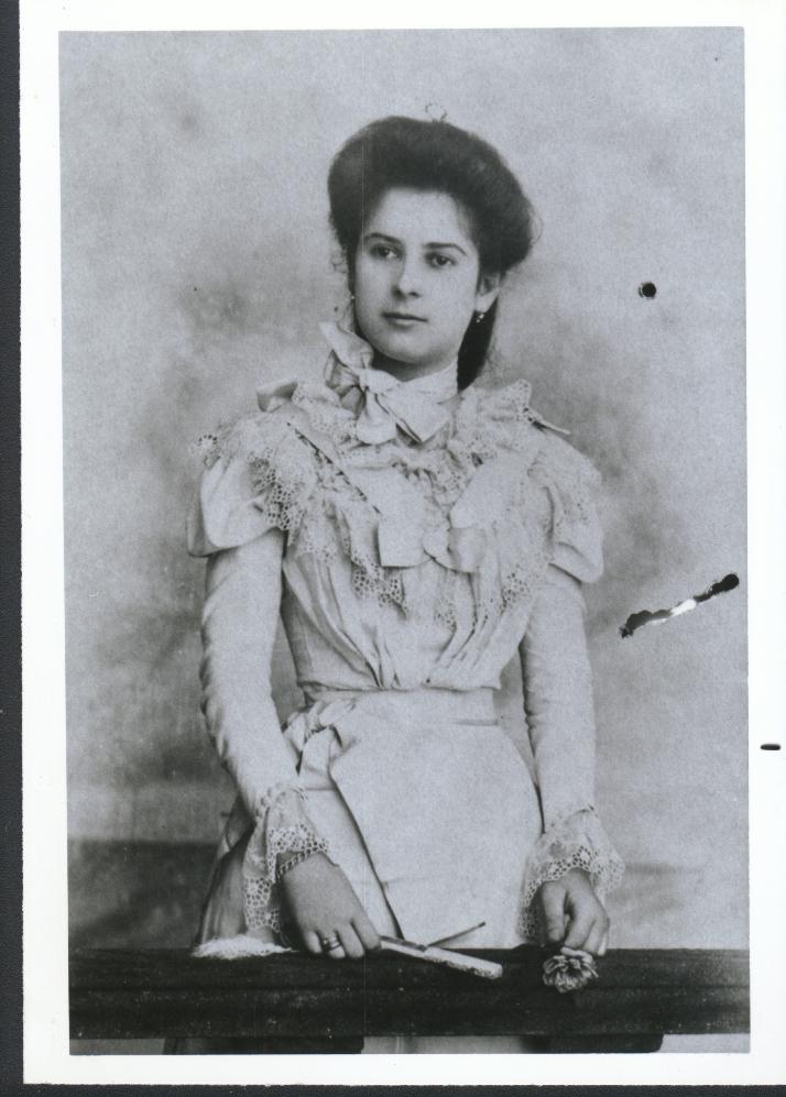 Manuela Mima Besosa