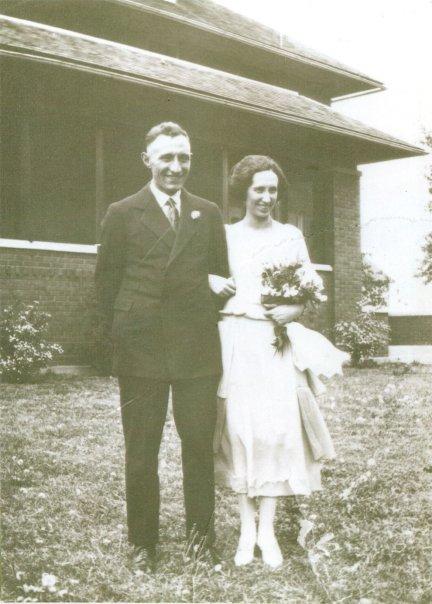 Cora E Wright