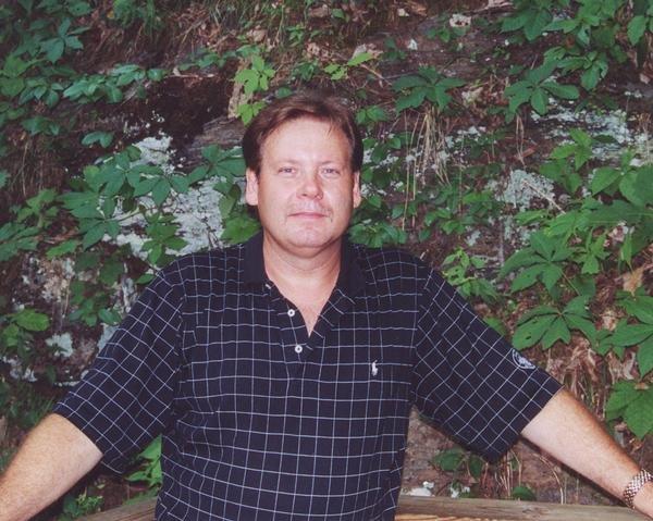 Scott D Stephens