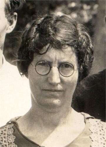 Mamie B Jones