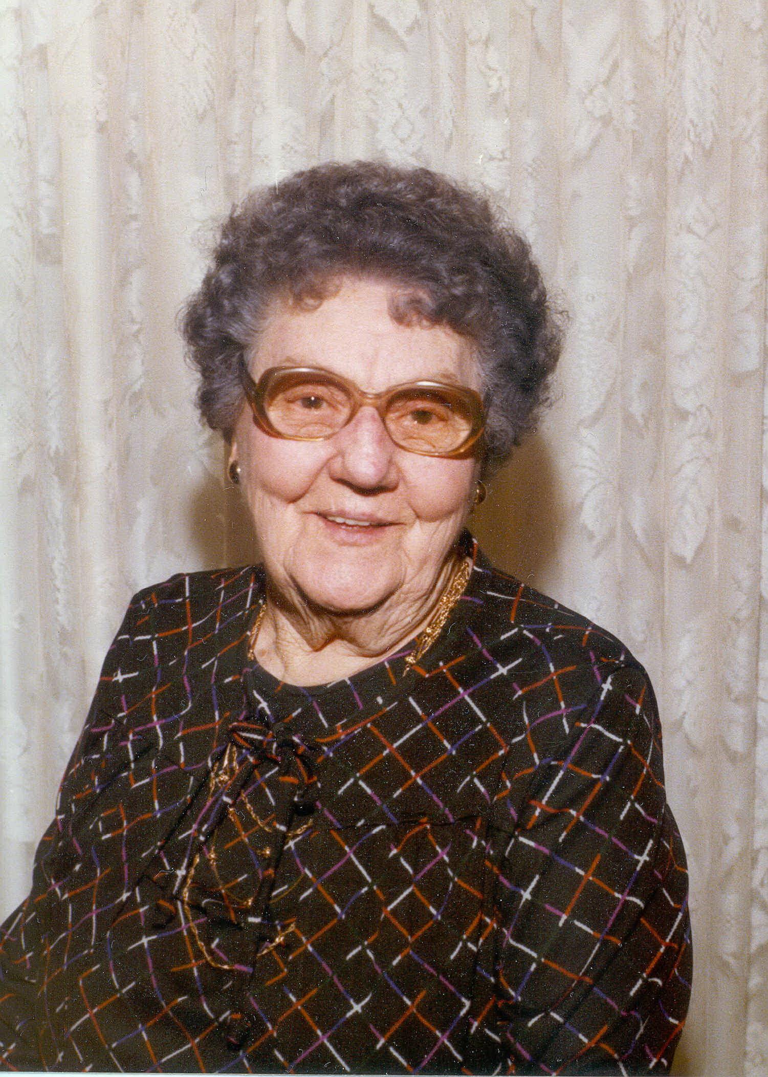 Alva M Keller