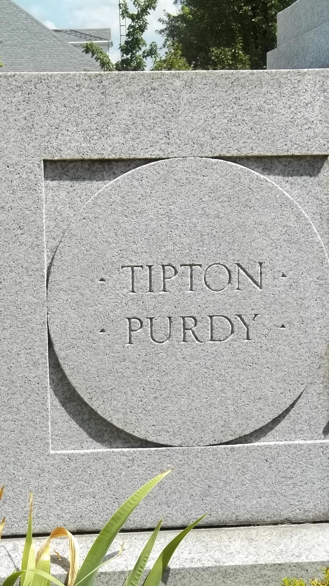 Solomon Tipton