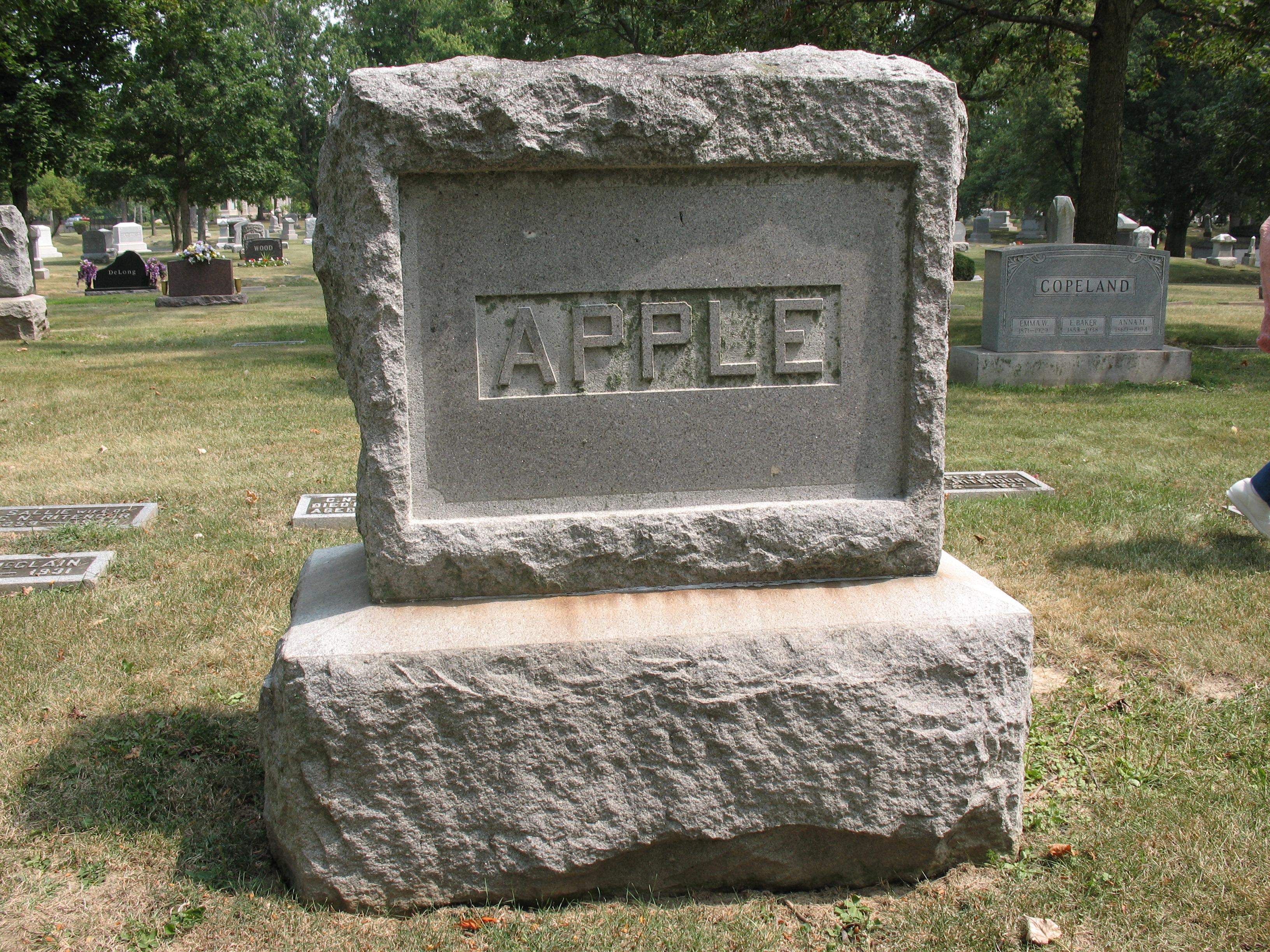 Cyrus Apple