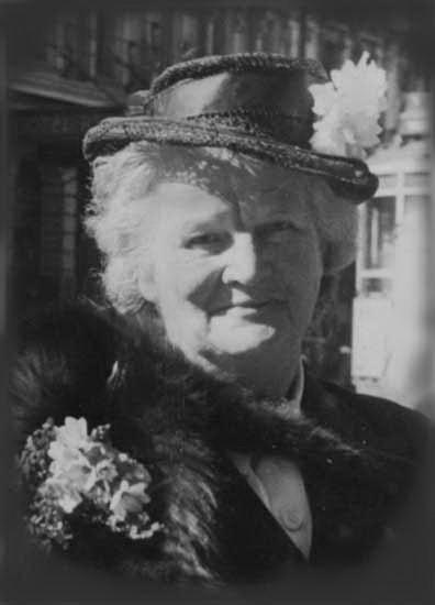 Ruth Raven