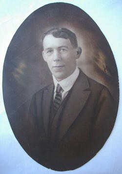 Ezra Collins