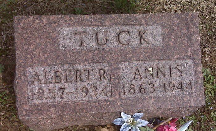 Albert Tuck