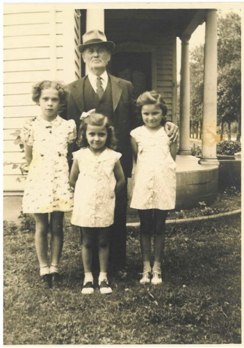 GRANDPA-PETER-HOLBECK-ALICE-MUNK-JOANNE-AND-MARGE-CHRISTENSEN-