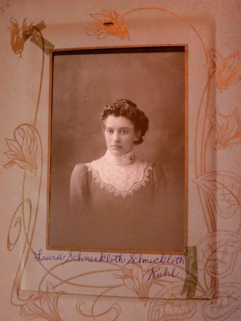 Laura Schneckloth