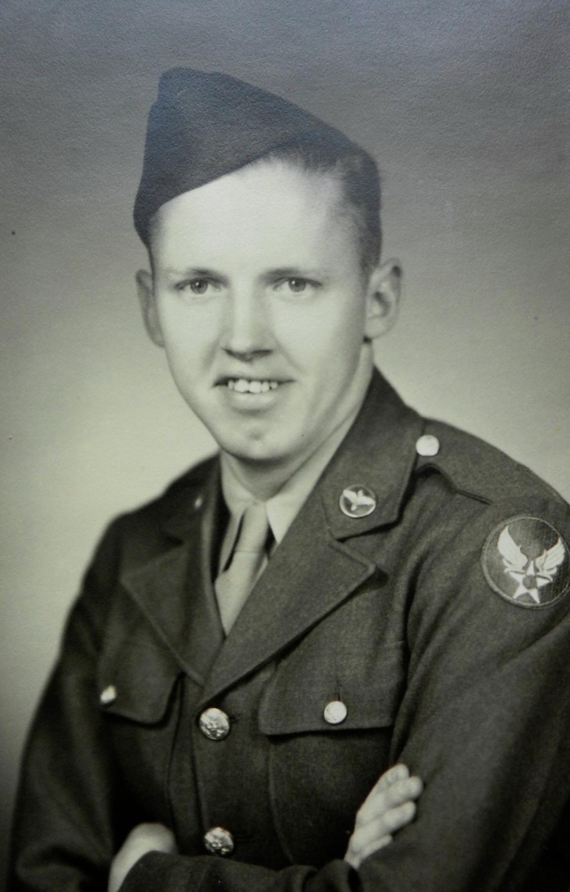 Robert Leo Schuetz