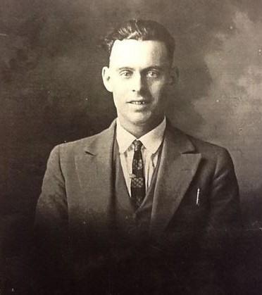 Lester Cobb