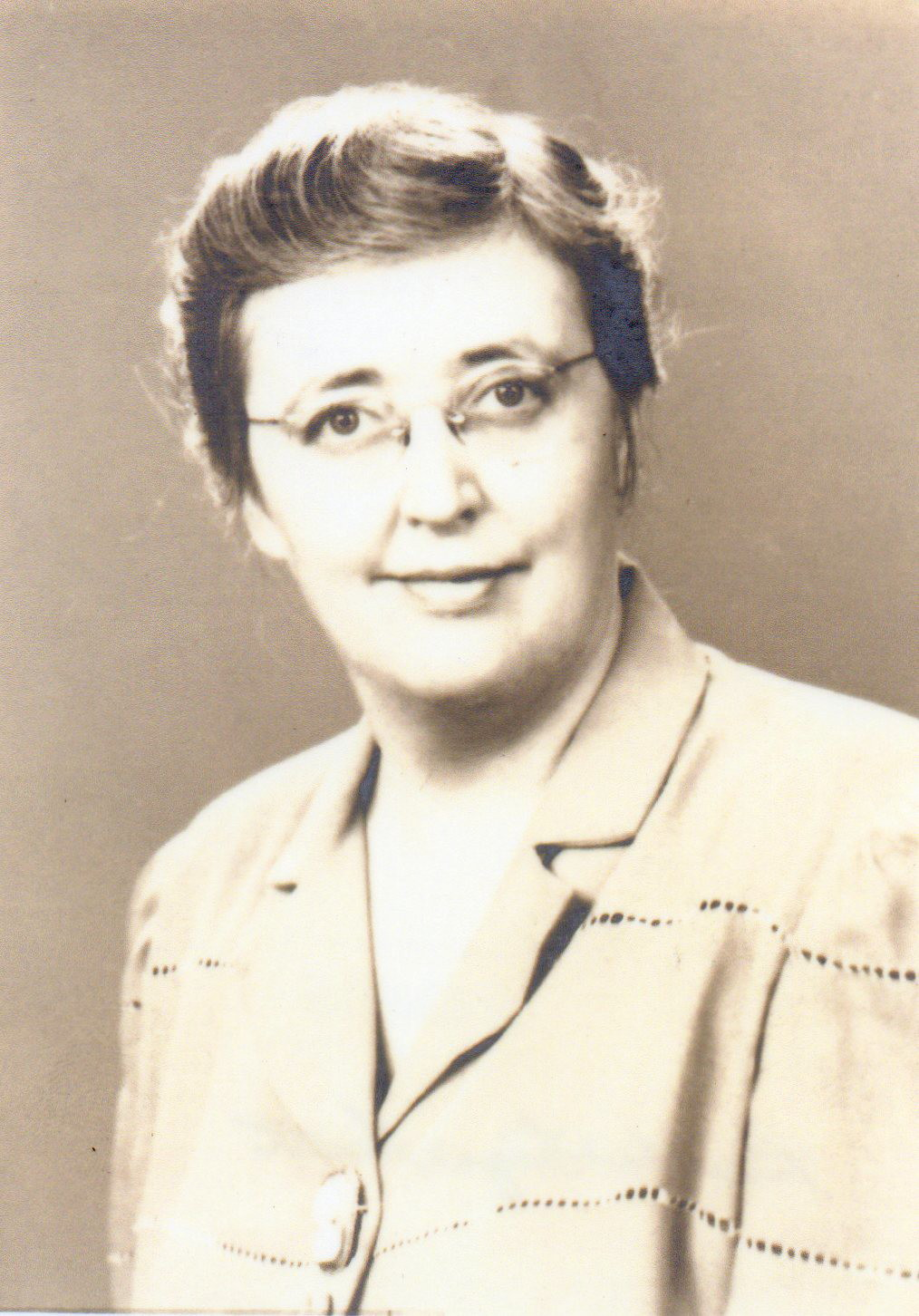 Bertha L Guett