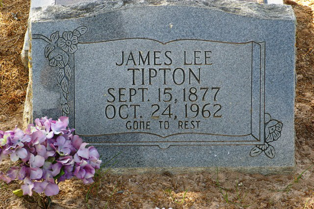 James Lee Tipton