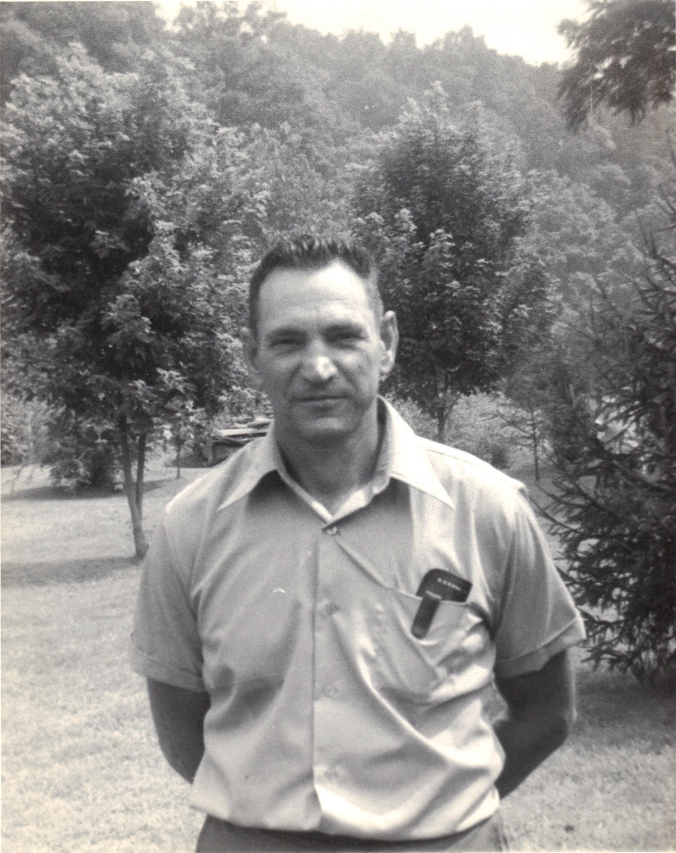Melvin R Edmonds