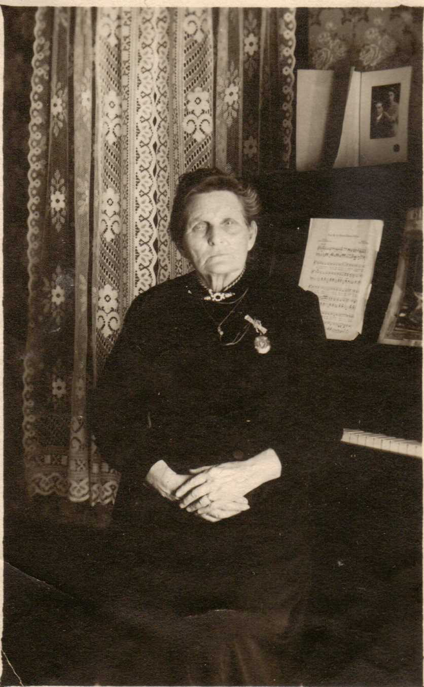 Virginia Rowe Parker