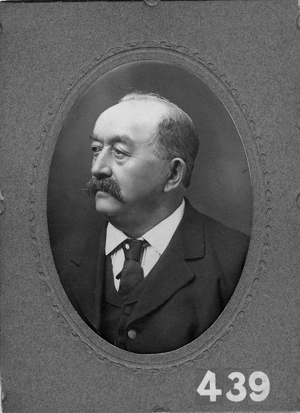 Benjamin Hoff