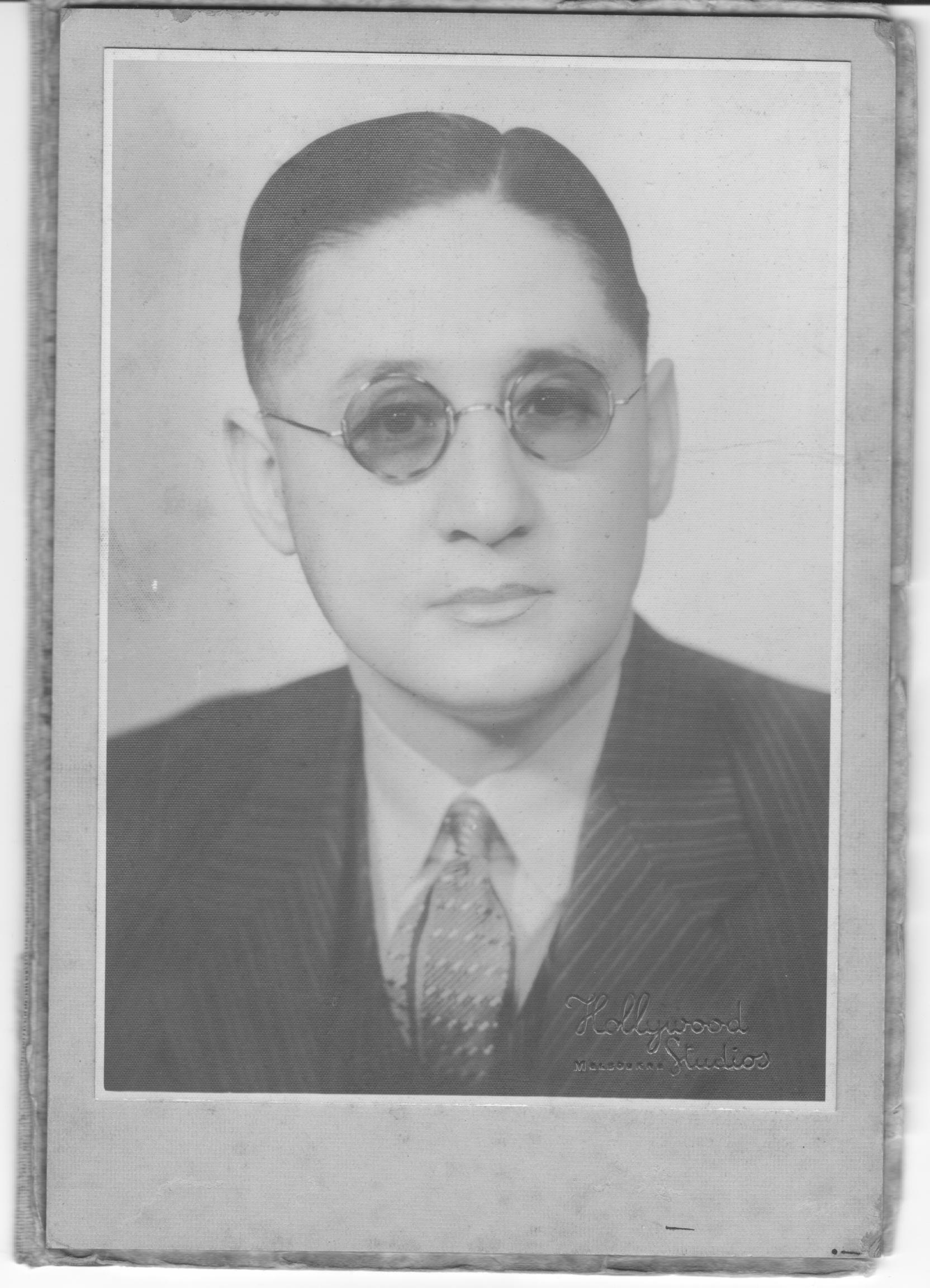 Cecil R Long
