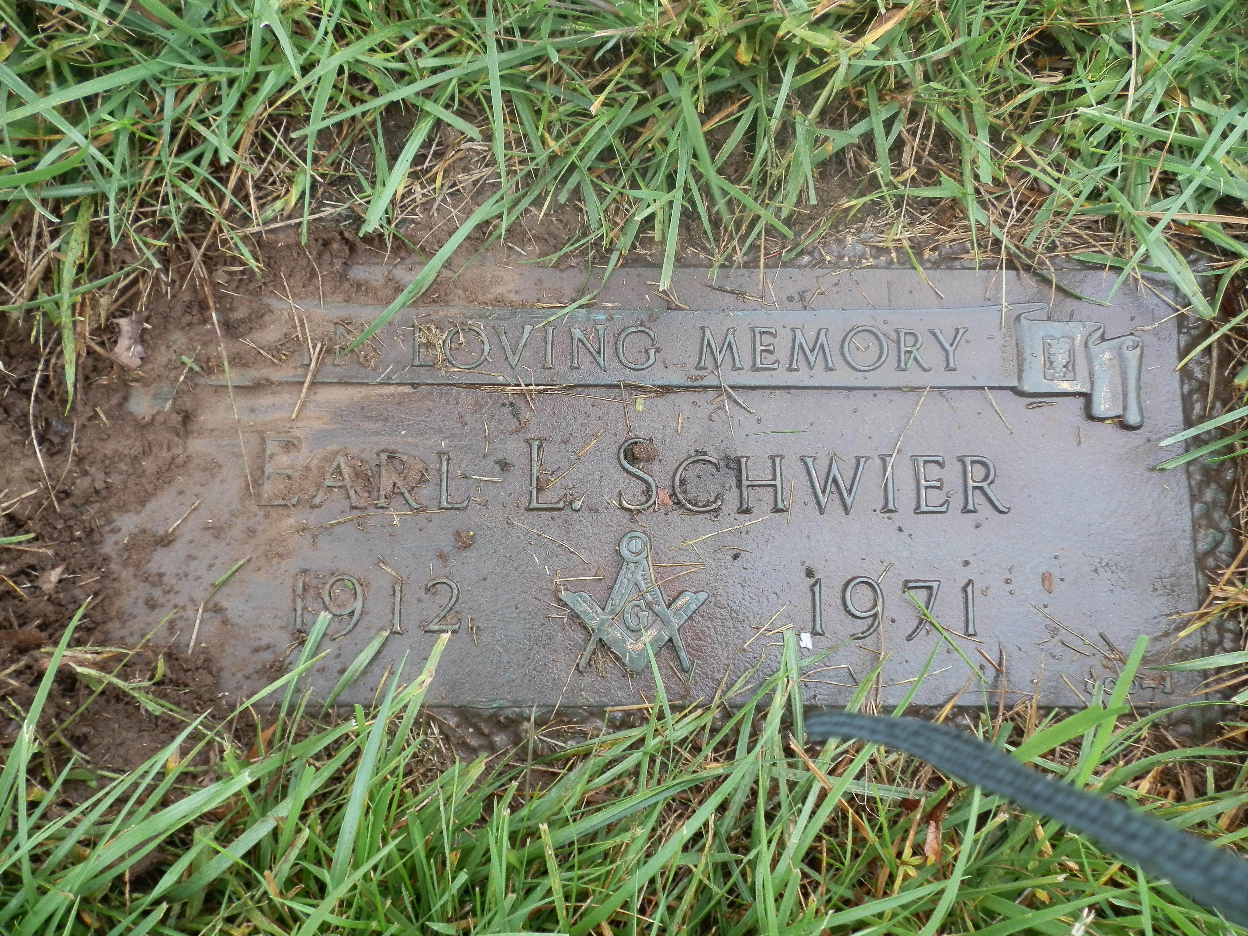 George L Schwier