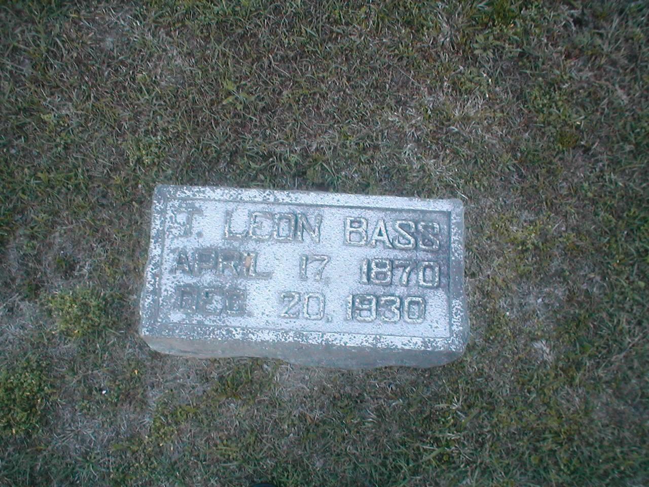 Leon Bass