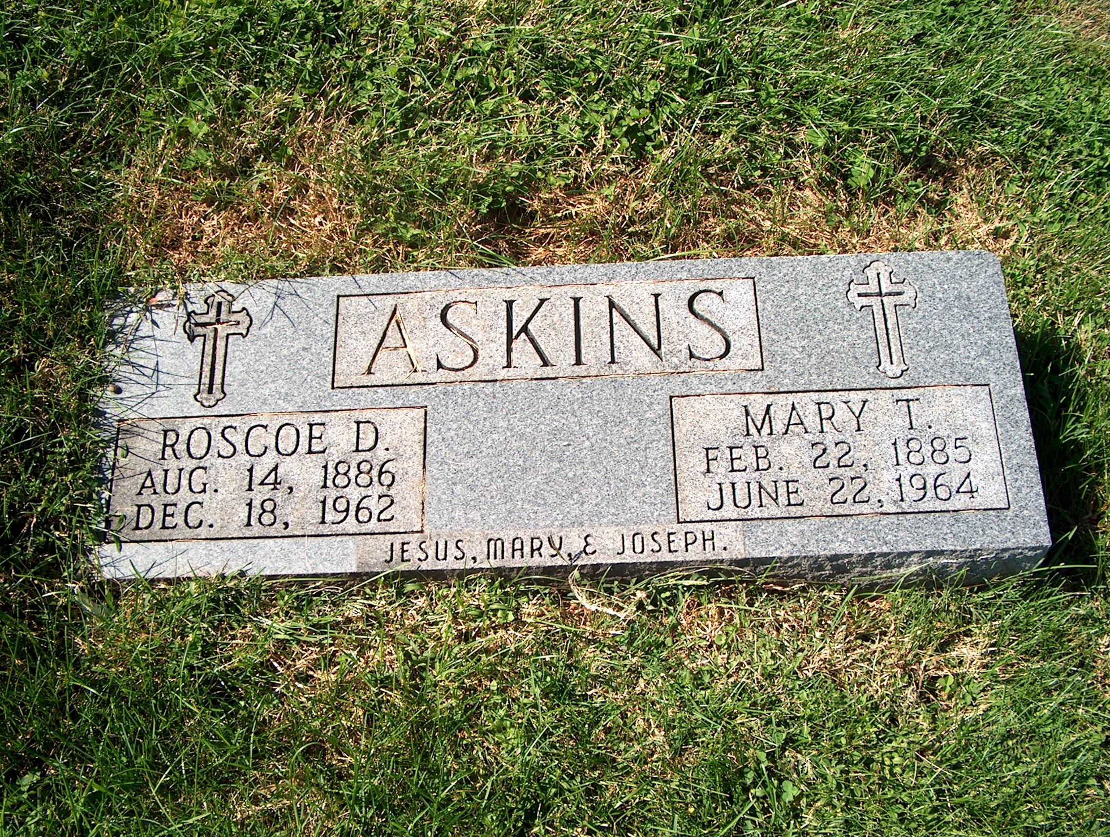 Ross D Askins