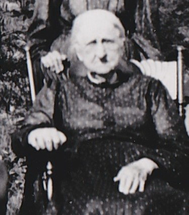 Sarah R Skinner