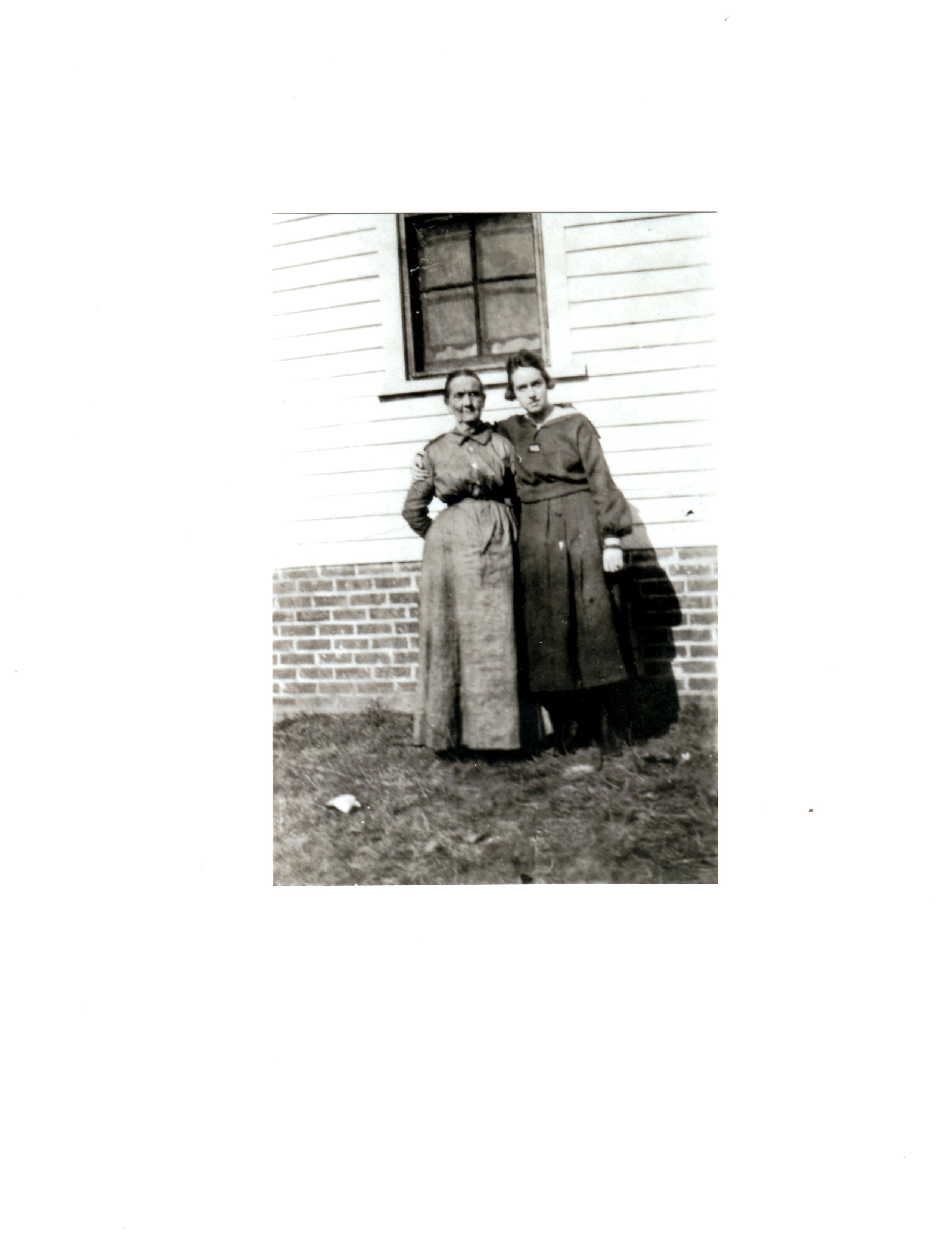 Willie Mae Ramsey Smith (left) with daughter, Nessie Izetta Smith