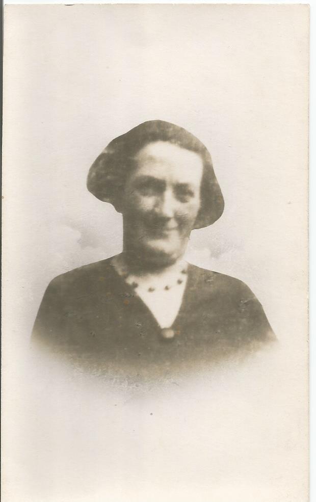 Sarah J Price (nee Wallace)