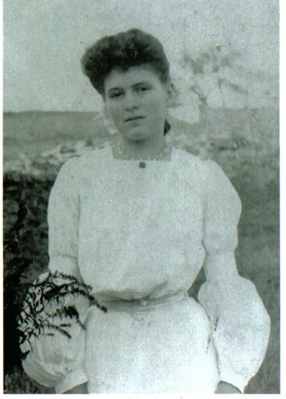Evelyn Katie Eva Brown