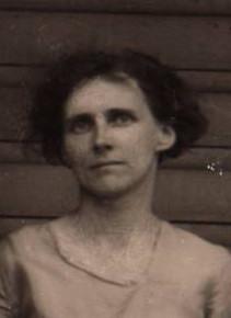 Mary L Noggle