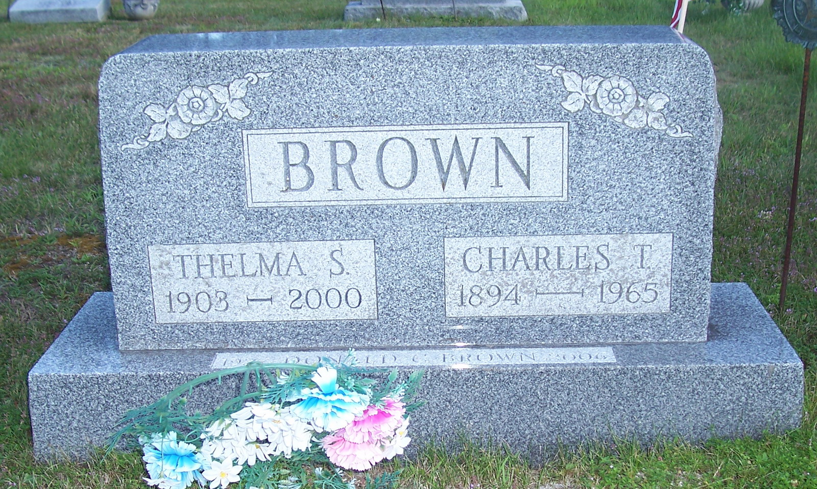 ??ladys T Brown