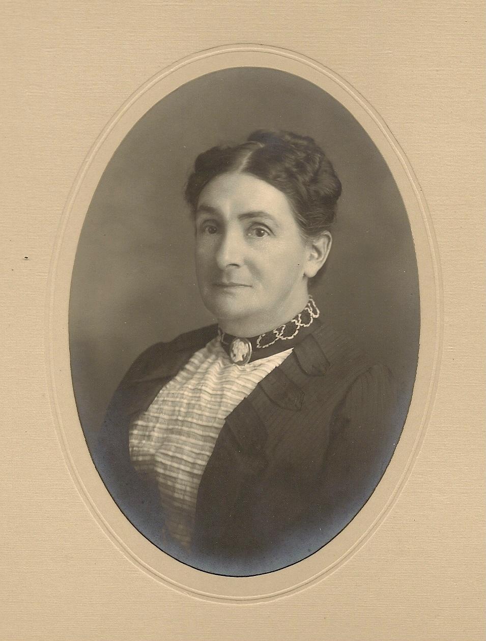 Mary J Williams