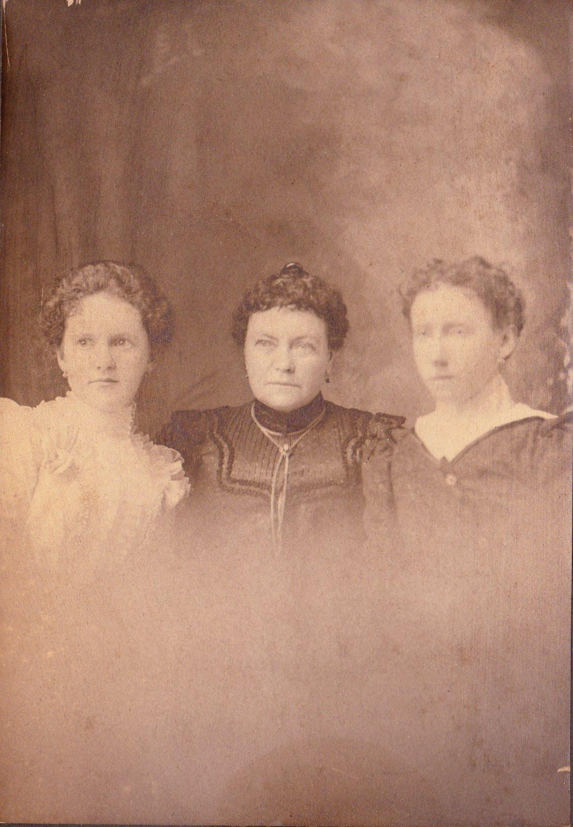 Mary E Mullen