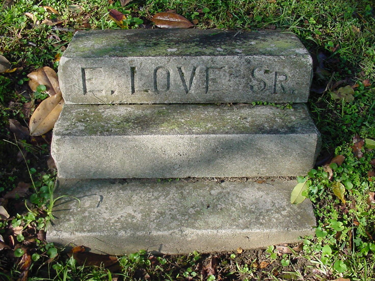 Ebzan Love's gravesite