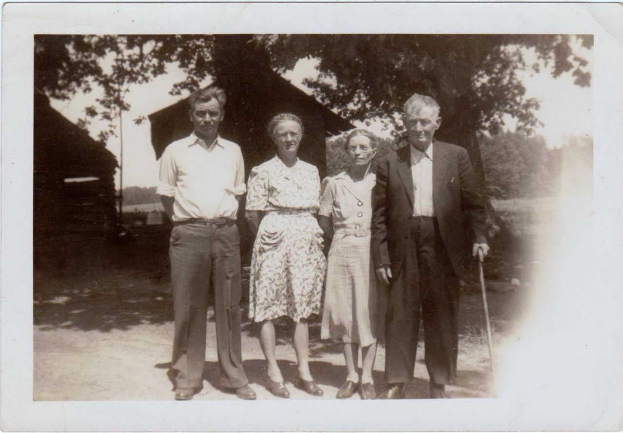 J R Hudson and family 001