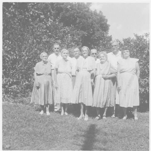 Henery Edward Newman & Siblings- L to R -Etta, Henry, Myrtle, Pryor B, Lucy, Sam, Bessie, Uncle Brick, & Loraine