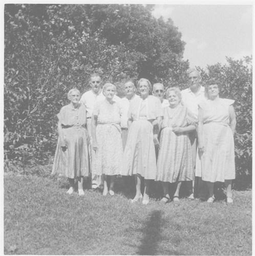 Henery Edward Newman & Siblings- L to R -Etta, Henry, Myrtle, Pryor B, Lucy, Sam, Bessie, Uncle Brick, & Loraine
