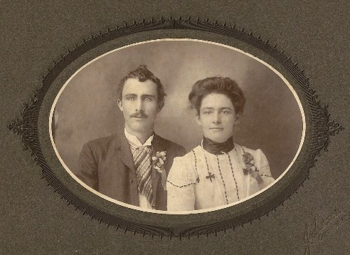 Aaron Lee Vining, b. 1877, & wife Carrie, courtesy Ms. Nancy Henning