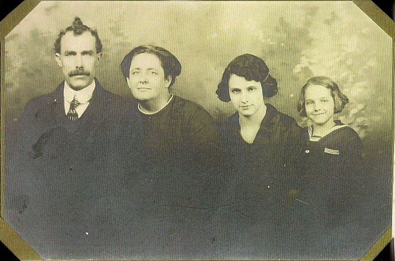 Aaron L. Vining and wife Carrie Carson with Mary Ruth and Jennie