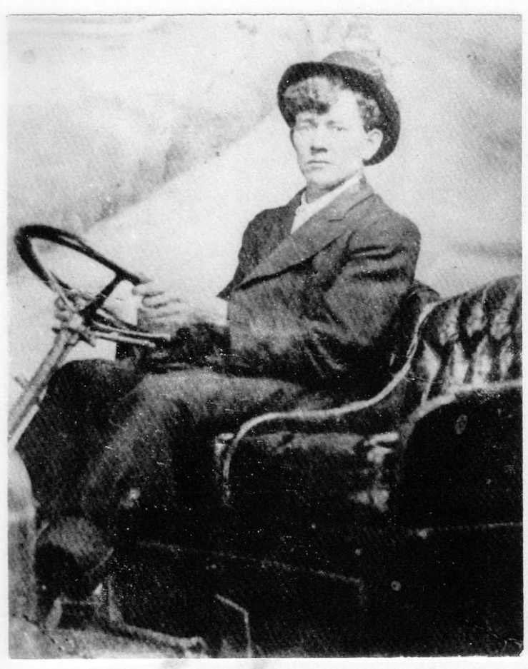 Harvey Lemmonds in car 001